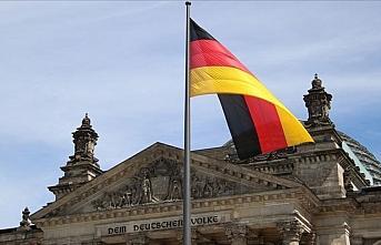 Almanya'da terör örgütü PKK üyesi olmakla suçlanan...