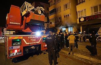 Ankara'da bir apartmanda çıkan yangında 4 kişi...
