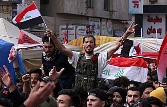 Bağdat'taki hükümet karşıtı gösteride 2 kişi...