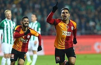 Galatasaray Konya deplasmanında 3 puanı 3 golle...