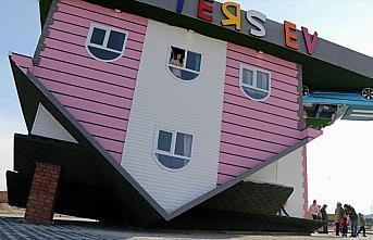 Misafirlerinin başını döndüren 'ters ev'ler yaygınlaşıyor