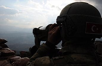 PKK/YPG'li 2 terörist teslim oldu