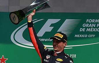 Red Bull, Max Verstappen'in sözleşmesini 2023'e kadar uzattı