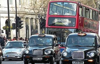 Süper zengin elitler gençlerin 'Londra hayalini'...