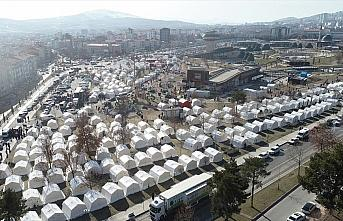 Türkiye, Elazığ depremi sonrası yardım için zamanla yarıştı