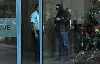 Venezuela'da muhalif lider Guaido'nun ofisine baskın...