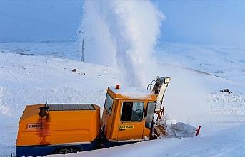 Aras Dağları'nın 'kar kaplanları' köy yollarını...