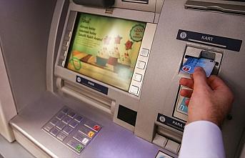 Bankaların aldıkları ücret ve komisyonlar yeniden...