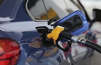 Benzinin litre fiyatına dün zam bugün indirim yapıldı