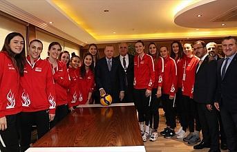 Cumhurbaşkanı Erdoğan, A Milli Kadın Voleybol...