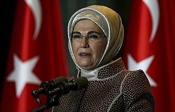 Emine Erdoğan: Gönül Elçileri Projesi ile koruyucu...