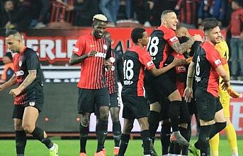 Gaziantep FK lideri farklı yendi