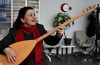 'Müzik şehri' Kırşehir'in kadın halk ozanı:...