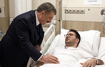 Sağlık Bakanı Fahrettin Koca uçak kazasında yaralananları...