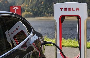 Tesla, Almanya'da kuracağı fabrika için 92 hektarlık...