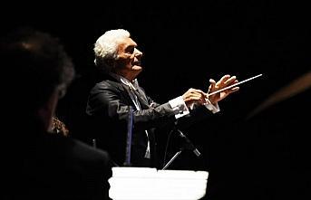 Ünlü şef Aykal, New York'ta kurduğu orkestrayla...