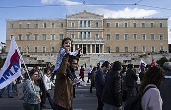 Yunanistan'da 24 saatlik memur grevi hayatı felç...