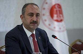 Adalet Bakanı Gül: Bugünden itibaren cezaevlerinde...