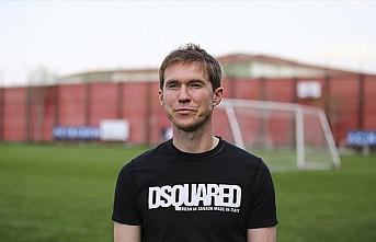 Belaruslu futbolcu Hleb'den ülkesinde maçların...