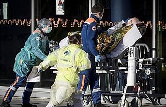Fransa'da Kovid-19 nedeniyle ölenlerin sayısı 3...