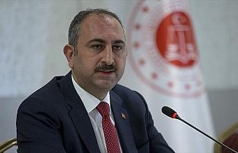 Adalet Bakanı Gül: Kovid-19'la bağlantılı olarak...