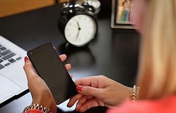 Ebeveynlerin teknoloji kullanımının artması çocuklara kötü örnek oluyor