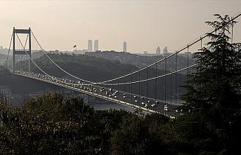 İstanbul'un iki yakası arasındaki araç geçişi...