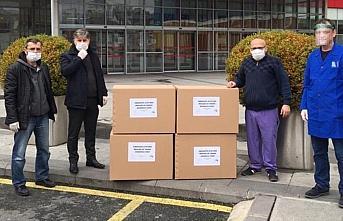 Öğretmenlerden sağlık çalışanlarına maske...