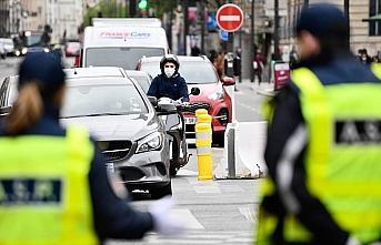 Fransa'da Kovid-19 nedeniyle ölenlerin sayısı 27 bini geçti