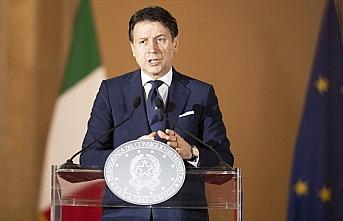 İtalya Başbakanı Conte: Aşı bulununcaya dek bekleyemeyiz