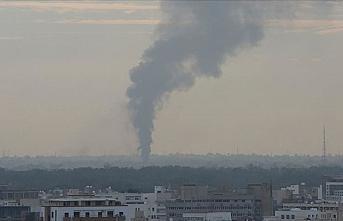 Libya ordusu Hafter milislerine yakıt taşıyan araçları...