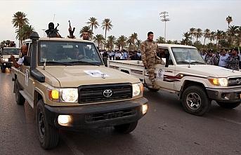 Libya ordusu Trablus'un güneyindeki Esabia kentine...