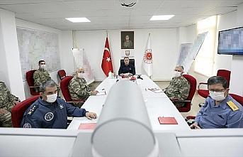 Milli Savunma Bakanı Akar ve TSK'nın komuta kademesinden...
