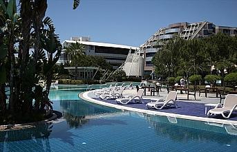 Oteller 'online' Kovid-19 eğitimiyle turizm sezonuna...