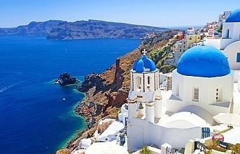 Yunanistan sınırları turizme açtı, Türkiye hariç bütün komşu ülkelere izin verdi