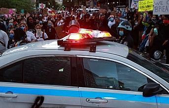 ABD'nin St. Louis kentindeki protestolarda 4 polis...