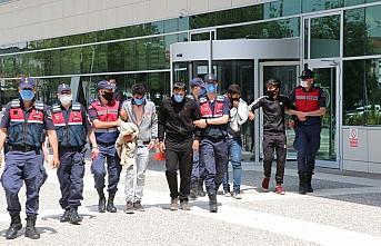 Bolu'da hırsızlık şüphelisi 4 kişi yakalandı