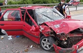 Çorum'da iki otomobil çarpıştı: 8 yaralı
