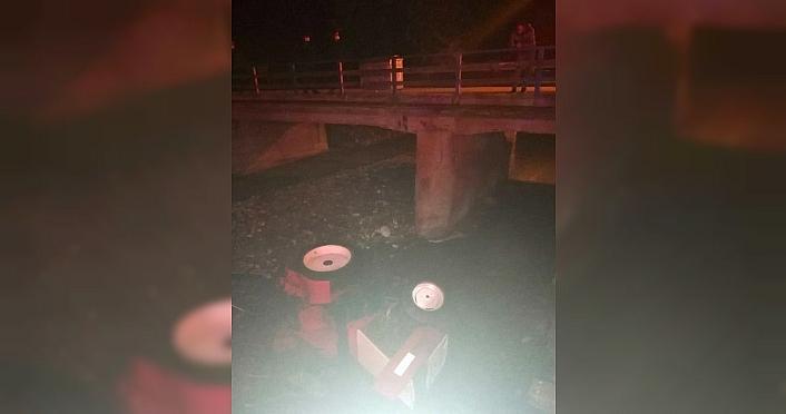 Düzce'de köprüden dereye devrilen traktörün sürücüsü...