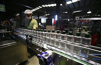 Düzce'deki kolonya üreticileri yoğun mesaide