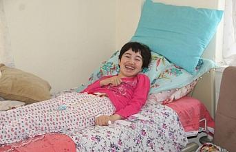 Eşi ALS hastası kendisi de felç olan kişi yardım...