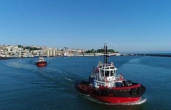 Fatih Sondaj Gemisi'nin Trabzon Limanı'na demir atması...