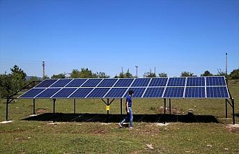 Güneş enerjisiyle köy halkı su masrafından kurtuldu