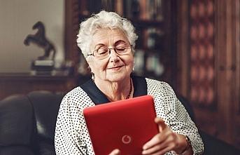 Huzurevlerindeki yaşlılar Vodafone ile sevdiklerine...
