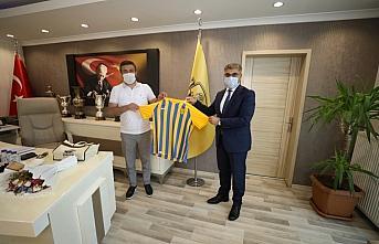 Karabük Valisi Fuat Gürel'den MKE Ankaragücü'ne ziyaret