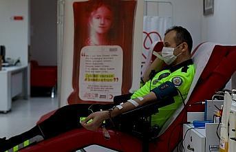 Koronavirüsü yenen trafik polisinden 3. kez immün...