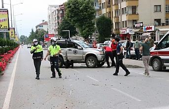 Otomobille çarpışan cip takla attı: 1 yaralı