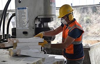 Samsun'da yılda 25 bin ton doğal taş işlenerek...