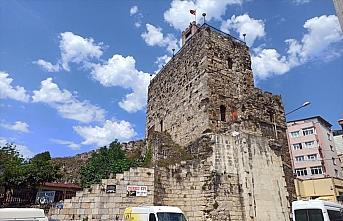 Sinop'ta 2 bin 500 yıllık tarihi surlar gün yüzüne çıkarılıyor