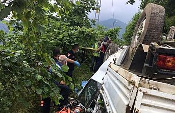 Trabzon'da uçuruma devrilen kamyonetin sürücüsü...